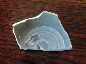 宋時代の青磁陶片