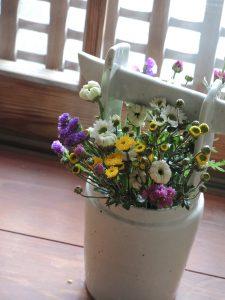 花祭窯 白磁手つき花器 藤吉憲典