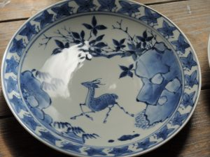 藤吉憲典 染付鹿紅葉文7寸皿