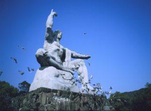 「ながさき旅ネット」より平和記念像