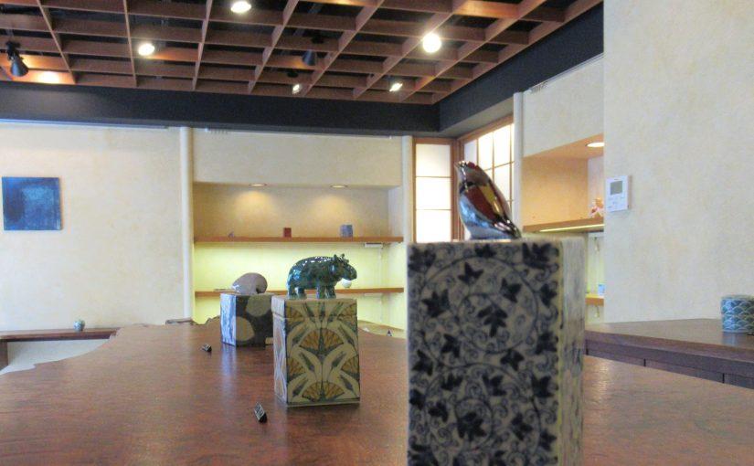 藤吉憲典陶展@桃居、在廊しておりました。