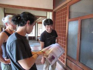 大川家具ドットコムさんに蕎麦猪口棚を作っていただきました。
